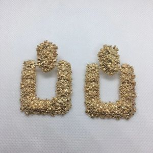 Gold plated retro earrings